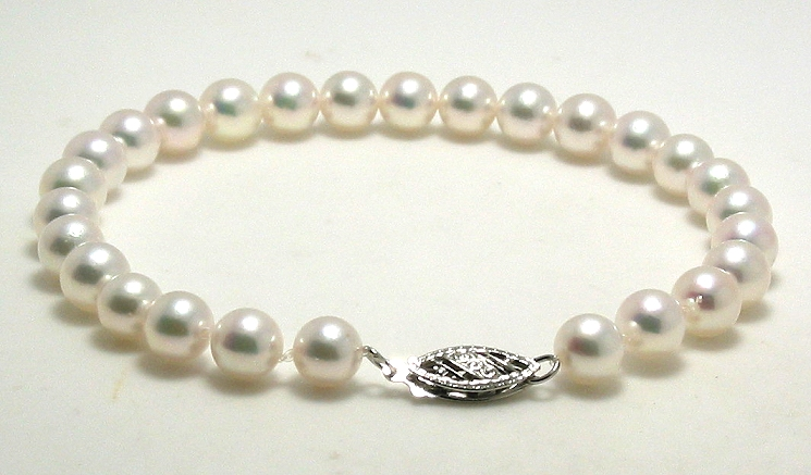 Special! AAA 5.5-6MM Japanese Akoay Pearl Bracelet, 14K White Clasp, 7in