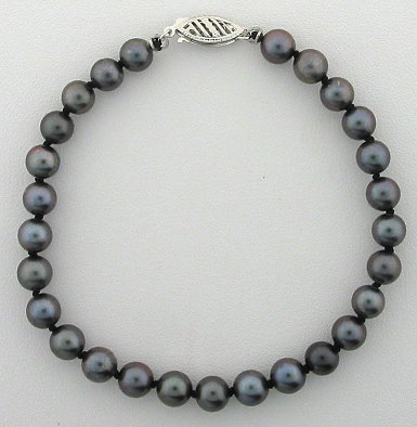 AA Grade 5.5-6MM Chinese Black Akoya Cultured Pearl Bracelet 14K Gold 7in.