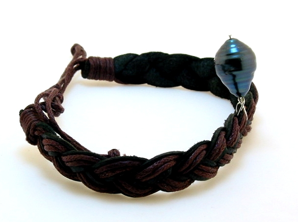 10.3X14.5MM Black Tahitain Pearl on Brown/Black Leather Bracelet, Silver 7-8in