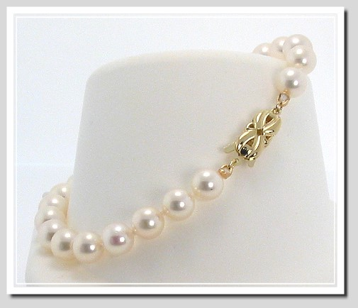 AA+ 6-6.5MM Japanese Akoya Cultured Pearl Bracelet 14K Clasp