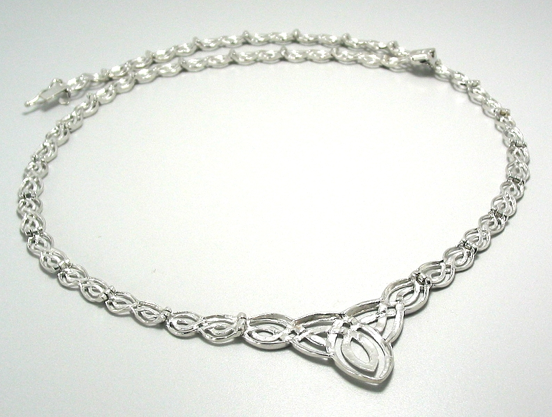 Designer Fashion Collar Necklace 14K White Gold 17in 15.1 Grams