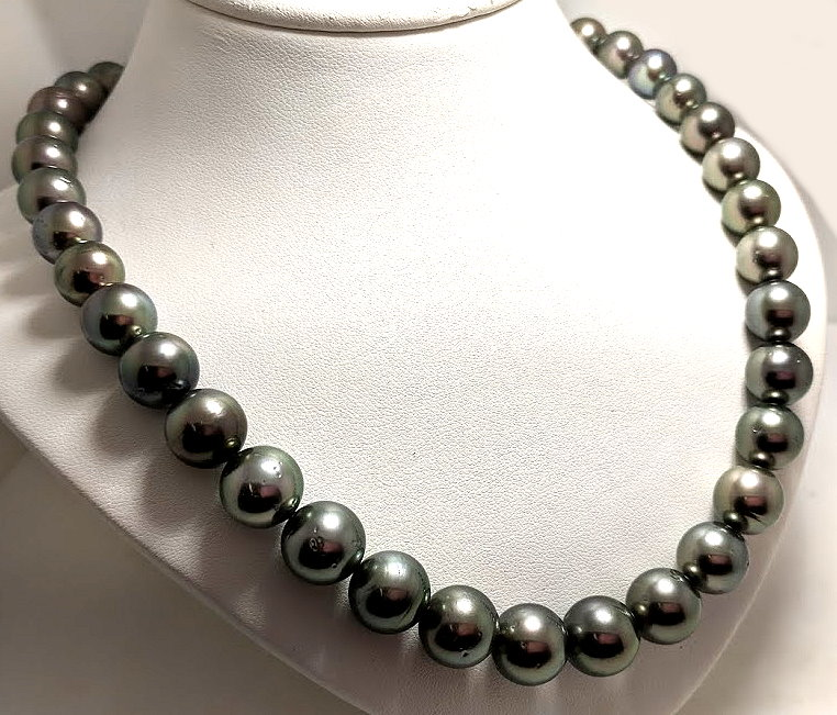 10MM - 12MM Gray/Green Tahitian Pearl Necklace, 14K Diamond Clasp 17in