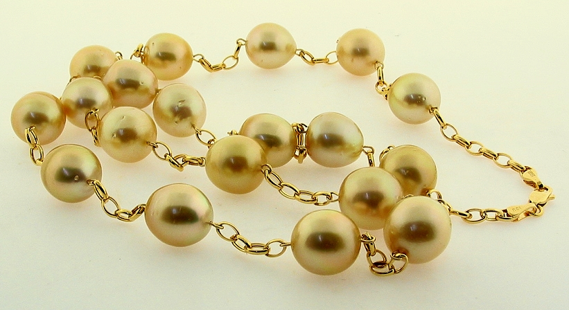 11X11.5MM - 11.7X13MM Golden Oval South Sea Pearl Necklace 14K Diamond Clasp 17.5In