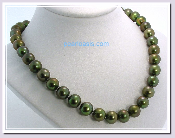 AAA 9.5-10MM Pistachio Green FW Round Pearl Necklace 14K Gold Clasp 18in