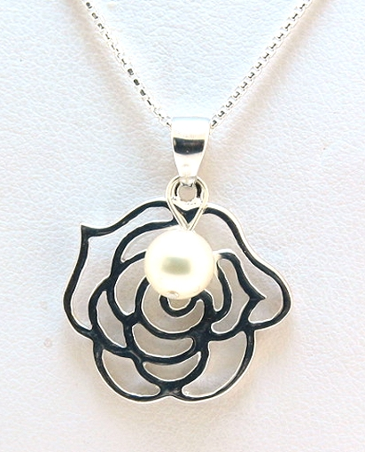 6-6.5MM White Akoya Pearl Rose Pendant w/16in Chain, Silver