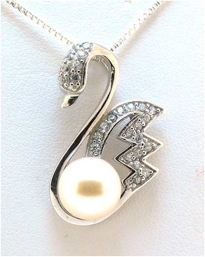 10-10.5MM Freshwater Pearl & Crystal Swan Pendant w/Chain 18in, Silver