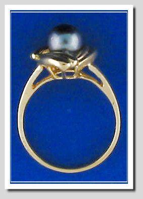 Black Cultured Pearl Ring 14K, 3 Wings Style, Size 7