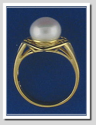 9MM Fresh Water Cultured Pearl Ring, 14K Gold, Diamond Shape, Size 7.5