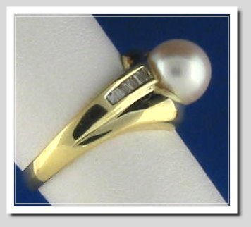 8MM White Cultured Pearl Ring, 14K Yellow Gold w/Diamonds, Size 7.5