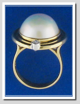 14MM Japanese Mabe Pearl Ring w/Diamond, 14K Yellow Gold, Size 7